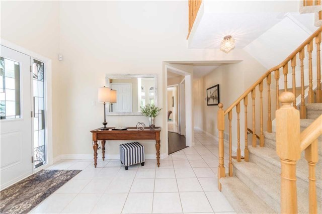 Detached at 114 Tremount St, Whitby, Ontario. Image 16