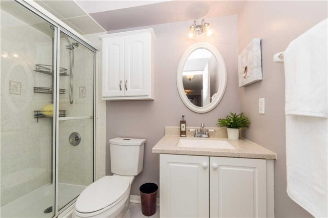 Detached at 114 Tremount St, Whitby, Ontario. Image 5