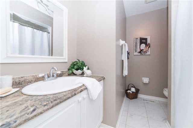 Detached at 114 Tremount St, Whitby, Ontario. Image 8