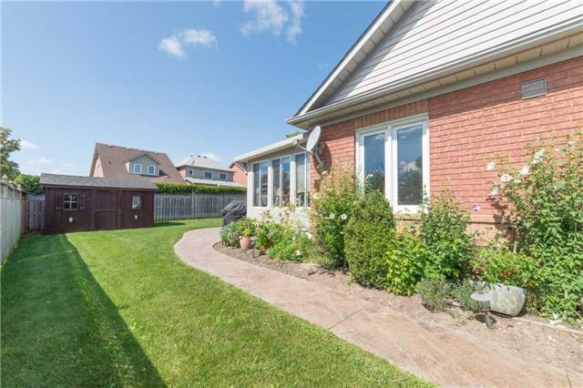 Detached at 114 Tremount St, Whitby, Ontario. Image 11