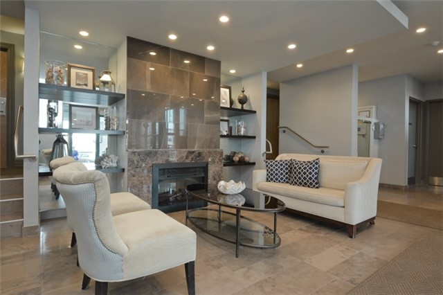 Condo Apartment at 340 Watson St, Unit 907, Whitby, Ontario. Image 12