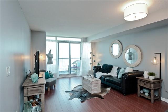 Condo Apartment at 340 Watson St, Unit 907, Whitby, Ontario. Image 18