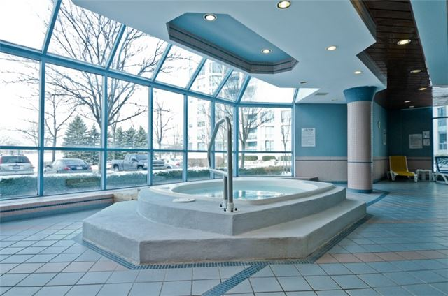 Condo Apartment at 340 Watson St, Unit 907, Whitby, Ontario. Image 11