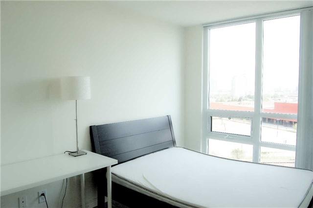 Condo Apartment at 88 Grangeway Ave, Unit 907, Toronto, Ontario. Image 11