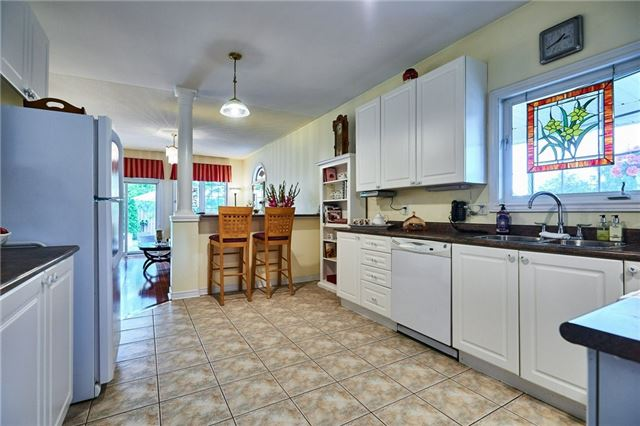 Detached at 31 Holsted Rd, Whitby, Ontario. Image 15