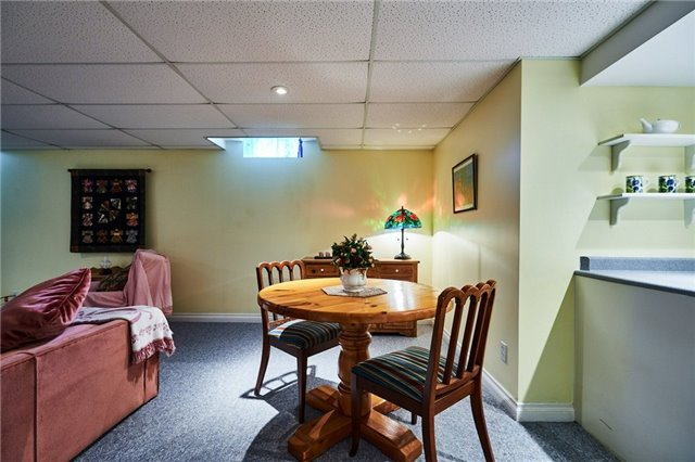 Detached at 31 Holsted Rd, Whitby, Ontario. Image 6