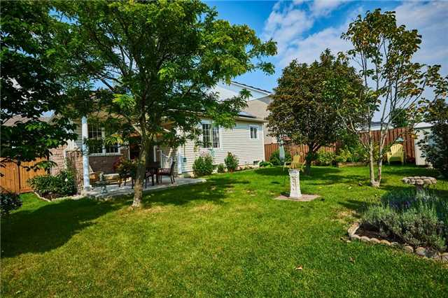 Detached at 31 Holsted Rd, Whitby, Ontario. Image 10