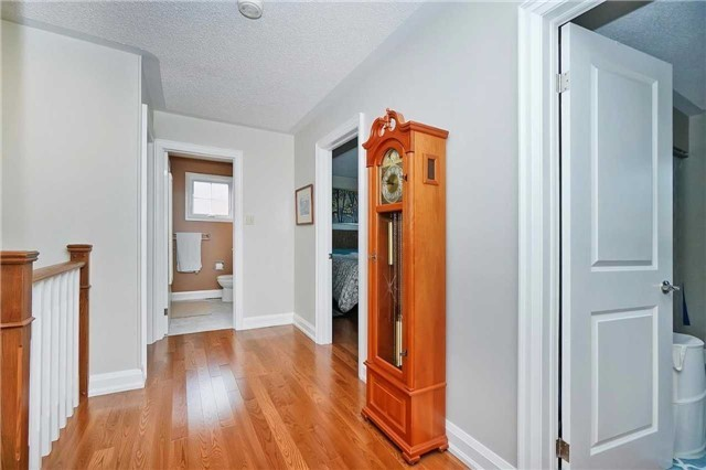 Detached at 18 Deverell St, Whitby, Ontario. Image 18
