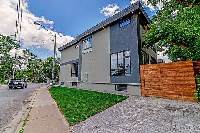 Detached at 330 Cedarvale Ave, Toronto, Ontario. Image 12