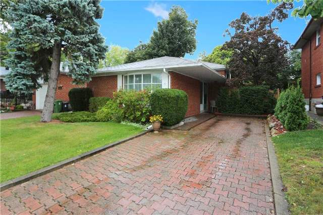 Detached at 93 Banmoor Blvd, Toronto, Ontario. Image 13
