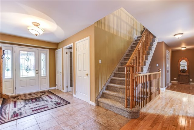 Detached at 539 Taunton Rd E, Whitby, Ontario. Image 12