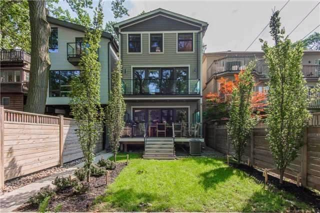 Detached at 116 Beech Ave, Toronto, Ontario. Image 12