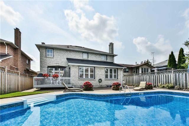 Detached at 844 Mount Hood Crt, Oshawa, Ontario. Image 13