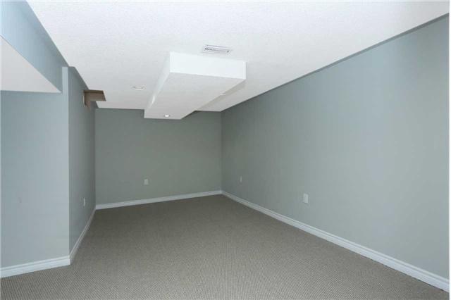 Semi-detached at 822 Monaghan Ave, Oshawa, Ontario. Image 6