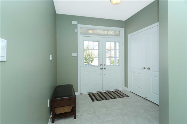 Link at 19 Chiswick Ave, Whitby, Ontario. Image 11