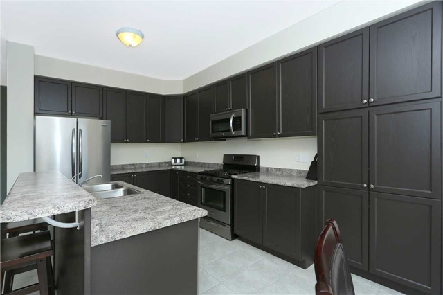 Link at 19 Chiswick Ave, Whitby, Ontario. Image 16