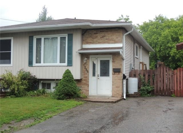 Semi-detached at 1288 Sunningdale Ave, Oshawa, Ontario. Image 1