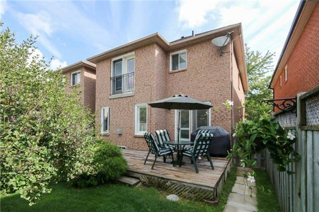 Semi-detached at 2117 Erin Gate Blvd, Pickering, Ontario. Image 13