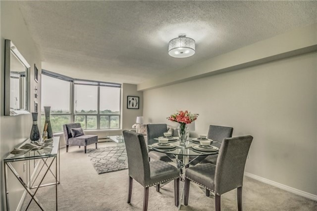 Condo Apartment at 430 Mclevin Ave, Unit 815, Toronto, Ontario. Image 4
