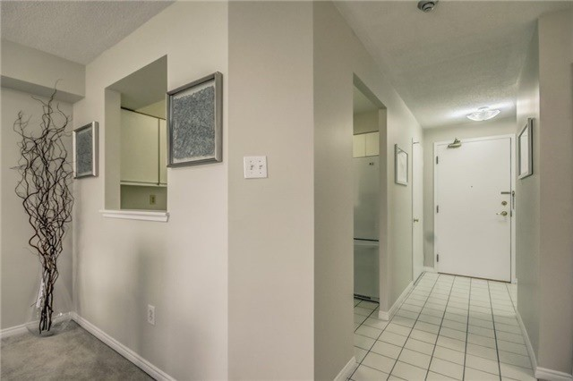 Condo Apartment at 430 Mclevin Ave, Unit 815, Toronto, Ontario. Image 6