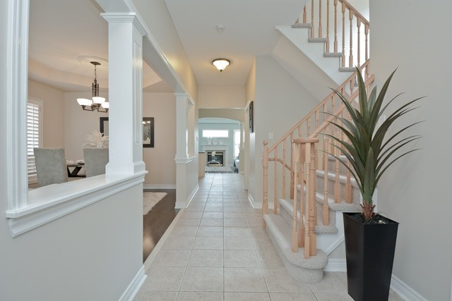 Detached at 3 Searell Ave, Ajax, Ontario. Image 12