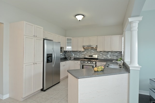 Detached at 3 Searell Ave, Ajax, Ontario. Image 17