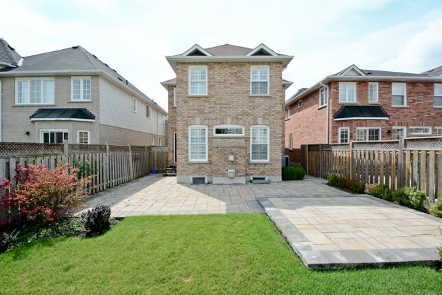 Detached at 3 Searell Ave, Ajax, Ontario. Image 11