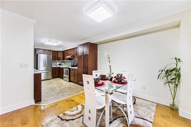 Detached at 32 Canoe Cres, Toronto, Ontario. Image 11