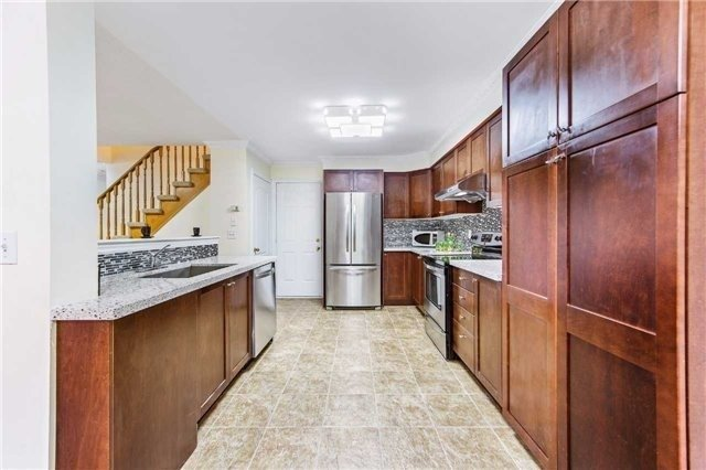 Detached at 32 Canoe Cres, Toronto, Ontario. Image 12