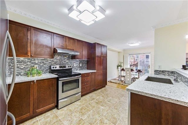 Detached at 32 Canoe Cres, Toronto, Ontario. Image 13