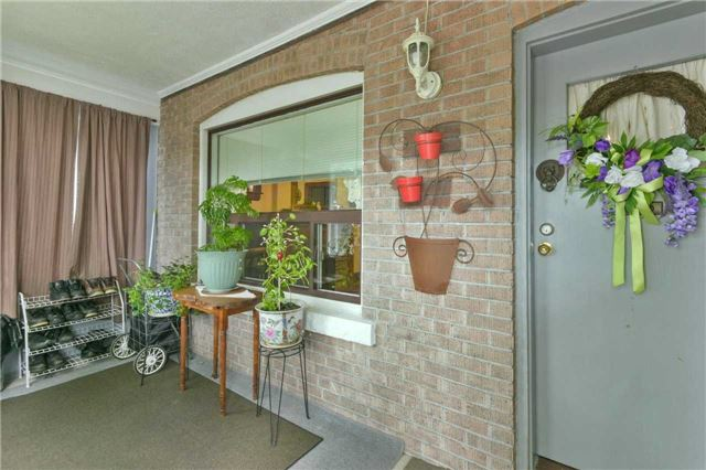 Detached at 340 Mortimer Ave, Toronto, Ontario. Image 12
