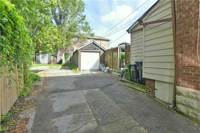 Detached at 340 Mortimer Ave, Toronto, Ontario. Image 10