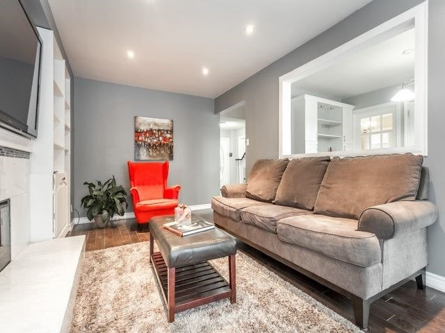 Detached at 856 Lavis Crt, Oshawa, Ontario. Image 3