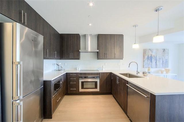 Condo Apartment at 2 Queensbury Ave, Unit 401, Toronto, Ontario. Image 15