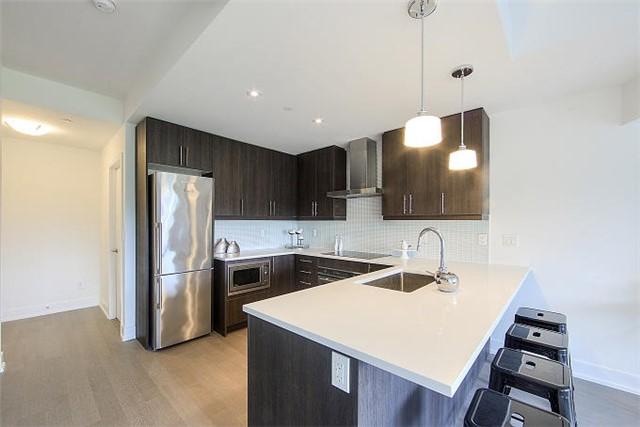 Condo Apartment at 2 Queensbury Ave, Unit 401, Toronto, Ontario. Image 16