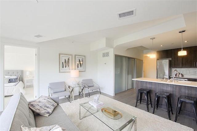 Condo Apartment at 2 Queensbury Ave, Unit 401, Toronto, Ontario. Image 20