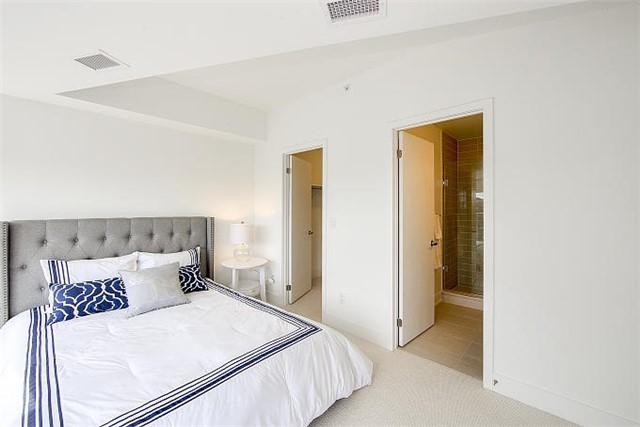 Condo Apartment at 2 Queensbury Ave, Unit 401, Toronto, Ontario. Image 4