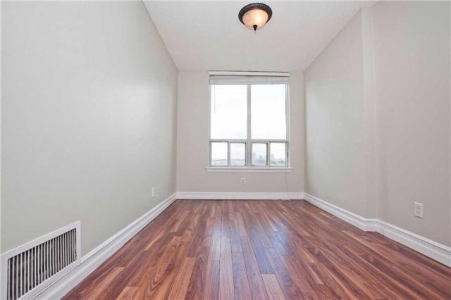 Condo Apartment at 88 Corporate Dr, Unit 1811, Toronto, Ontario. Image 12