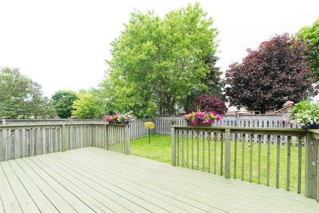 Detached at 14 Living Crt, Clarington, Ontario. Image 10