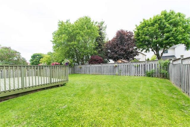 Detached at 14 Living Crt, Clarington, Ontario. Image 11