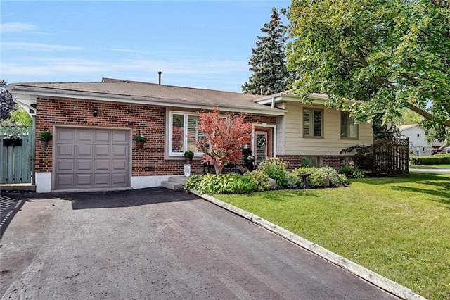 Detached at 39 Michael Blvd, Whitby, Ontario. Image 1