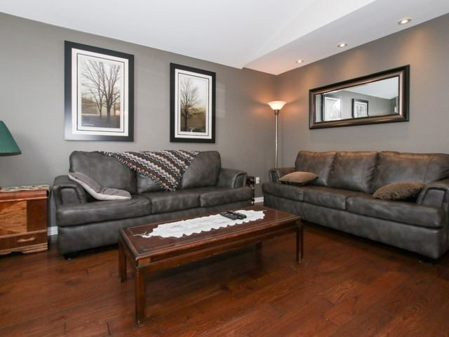 Detached at 12 Foundry Lane, Whitby, Ontario. Image 9