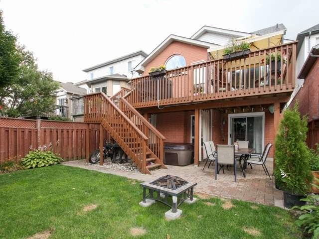 Detached at 12 Foundry Lane, Whitby, Ontario. Image 6