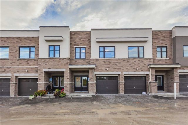 Townhouse at 46 Jerseyville Way, Whitby, Ontario. Image 1