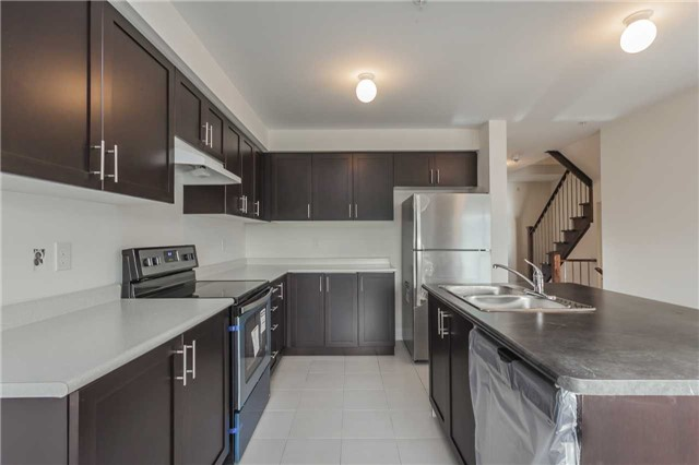 Townhouse at 46 Jerseyville Way, Whitby, Ontario. Image 19