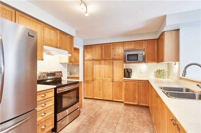 Detached at 60 Aster Cres, Whitby, Ontario. Image 16
