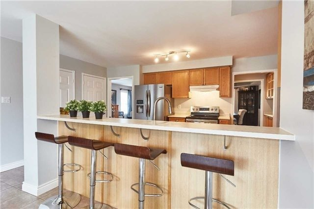 Detached at 60 Aster Cres, Whitby, Ontario. Image 18