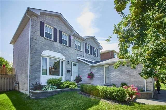 Detached at 6 Forest Heights St, Whitby, Ontario. Image 10