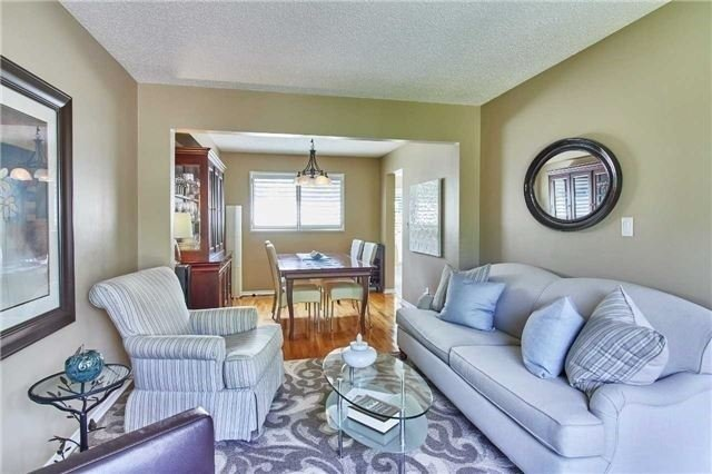 Detached at 6 Forest Heights St, Whitby, Ontario. Image 11