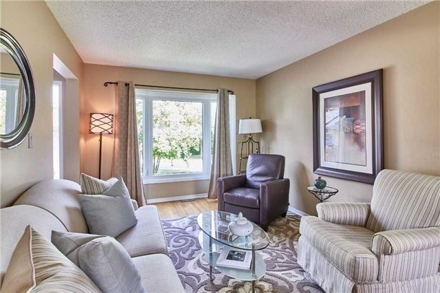 Detached at 6 Forest Heights St, Whitby, Ontario. Image 12